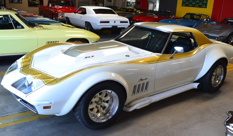1968 white corvette conv race car 1